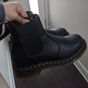 Dr Martens Vegan Chelsea Boots 2976